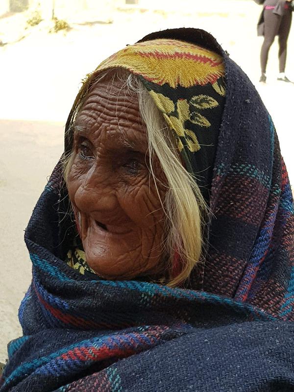 Donna-anziana-indiana