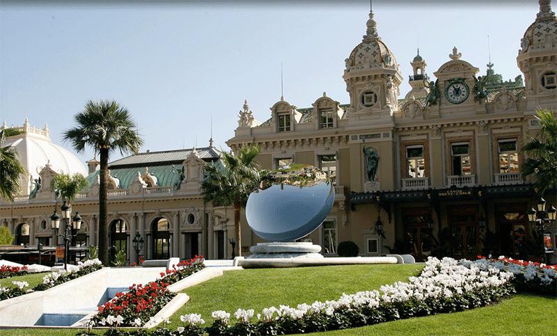Place-du-casino-Principato-di-Monaco