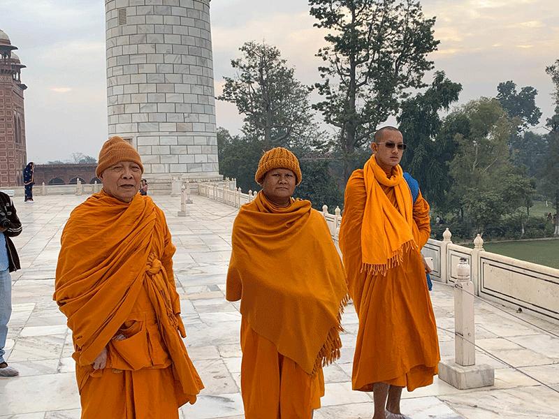 Sacerdoti-in-India