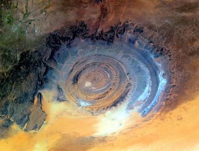 l-occhio-del-sahara-si-trova-ad-Ouadane-in-Mauritania