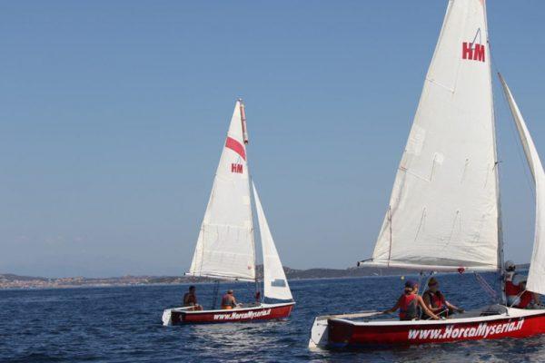 andare-in-costa-smeralda-in-barca-a-vela-con-horca-myseria-soggiornando-al-viallaggio-isuledda-9