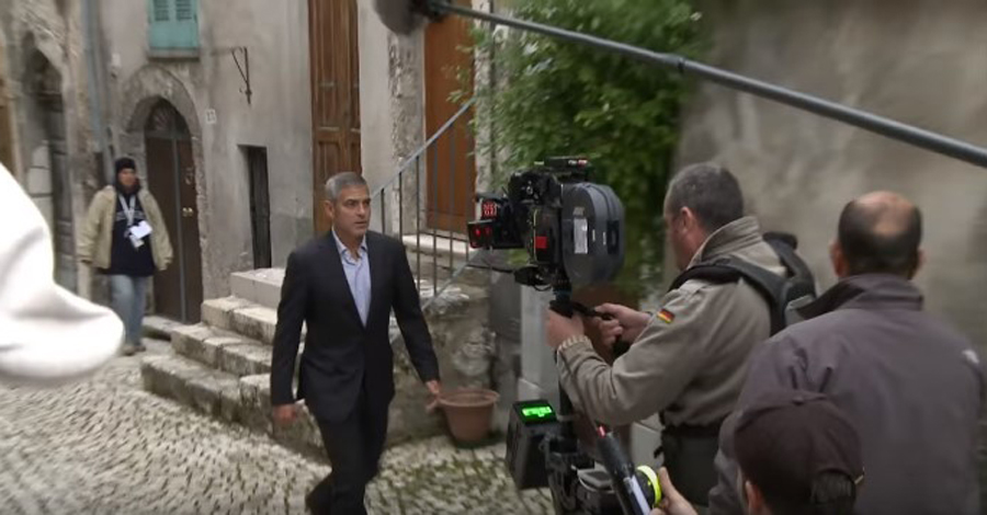 THE-AMERICAN-with-George-Clooney-YouTube2-23