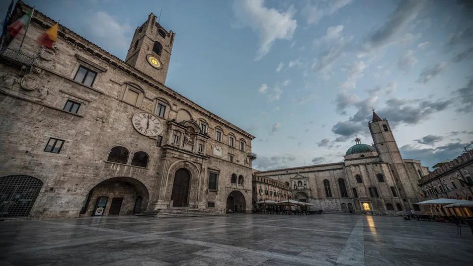 ascoli-piceno-centro-storico-al-tramonto-2