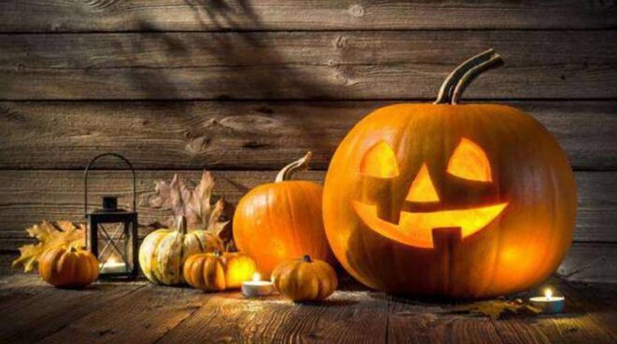 halloween-661248.660x368-con-le-zucche-intagliate-a-Grumello