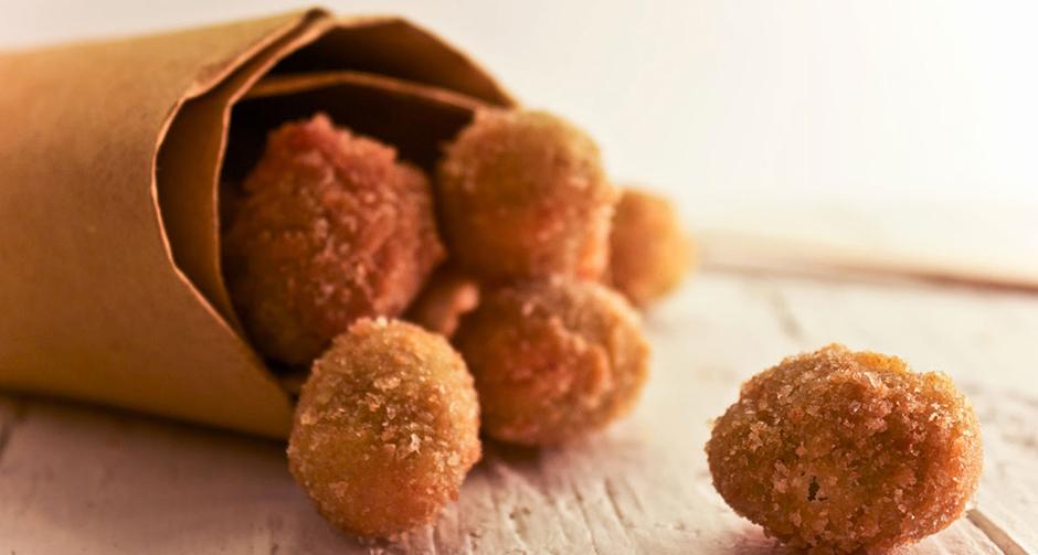un-cartoccio-delle-tradizionali-olive-ascolane-fritte