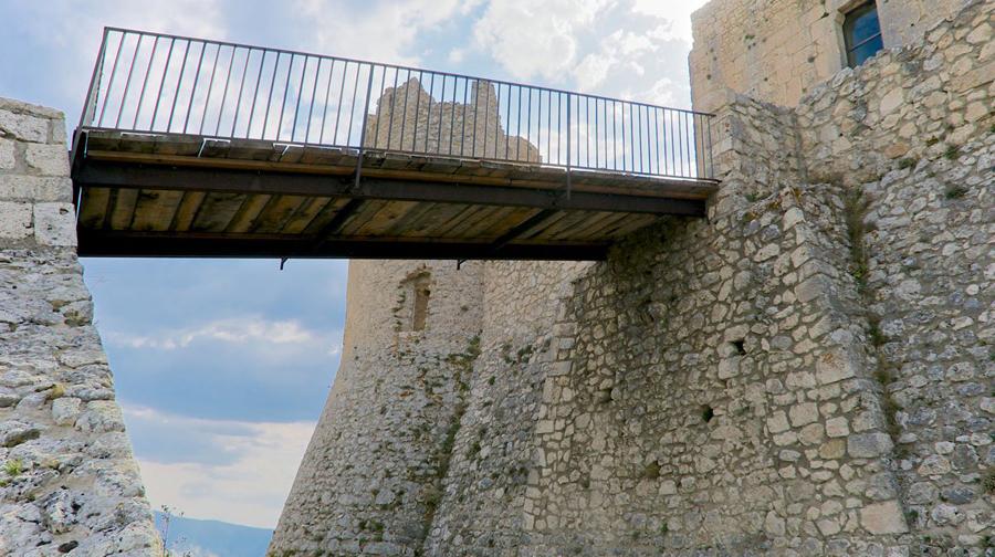 ponte-levatoio-rocca-calascio-come-è-oggi